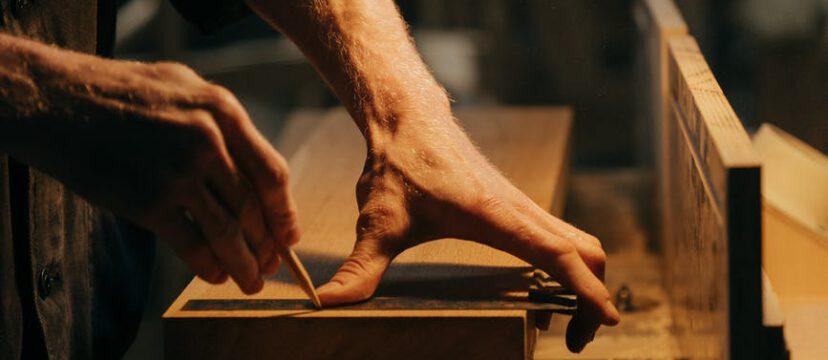 Kollektion an Eichenbohlen von Holzhandelonline >>